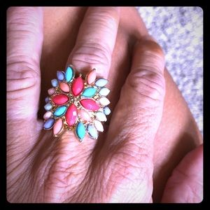 Gorgeous costume jewelry ring
